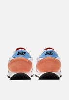 Nike - Daybreak - football grey / white-orange trance