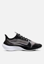 Nike - Zoom Gravity - black / metallic silver-wolf grey-white