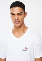 Ben Sherman - Essential tee v-neck - white