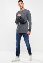 The North Face - Red box long sleeve tee - grey