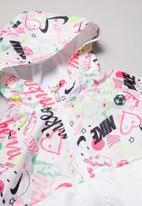 Nike - Nike girls scribble aop wind jacket - white