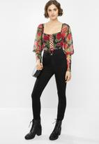 Missguided - Rose detail tie front milkmaid bodysuit - black & red