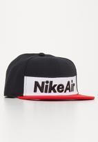 Nike - Nan nsw nike air flat brim - black