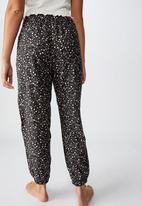 Cotton On - Flannel sleep pant - field daisy & black