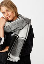 Rubi - Mya mid weight scarf - black and white check