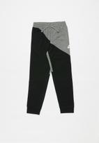 Nike - Nike nsw amplify pant - black & grey