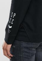 S.P.C.C. - Duke applique crew neck sweat - black