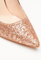 Sissy Boy - Glitz & glam court heel - rose gold