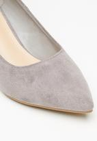 Jada - Faux suede heel - grey