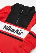 Nike - Nike boys air hz & jogger set - black & red