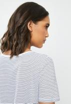 MANGO - T-shirt chalapi - white & black