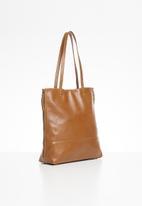 FSP Collection - Lynette zip shopper dakota leather bag - fudge