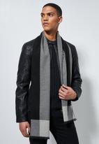 Superbalist - Macon scarf - charcoal & grey