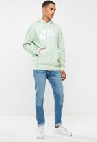 Nike - Nsw club pullover hoodie - green & white