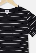 Free by Cotton On - Toni T-shirt dress - black & white