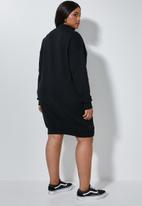 Superbalist - Cutline highneck fleece dress - black