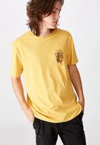 Factorie - Fear none regular graphic T-shirt - yellow