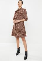 edit - Kitty bow fit & flare dress - brown