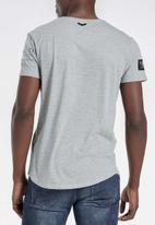 S.P.C.C. - Dyer straight hem logo tee - grey