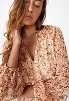 Cotton On - Woven michelle long sleeve maxi dress - alma floral mid brown