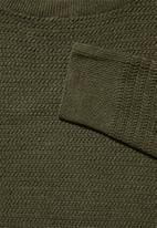 Superbalist - Chevron regular fit textured knit - olive