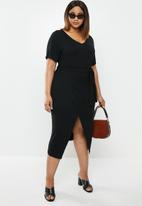 edit Plus - Easy wrap dress - black