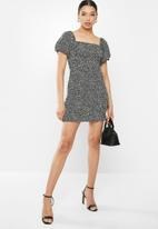 Glamorous - Mini mono puff sleeve leopard dress - black & white