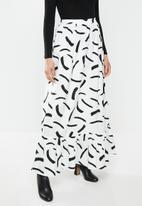 Glamorous - Mono brush strokes maxi skirt - black & white