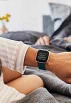 Fitbit - Fitbit versa 2 - emerald/copper rose