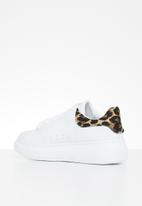 STYLE REPUBLIC - Leopard detail trainer - white & brown