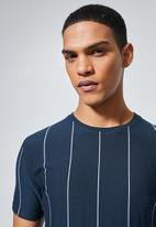 Superbalist - Nate vertical stripe tee - navy & white