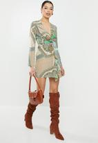 Missguided - Scarf print twist front mini dress - green