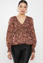 Missguided - Shirred leopard print peplum top - rust & black