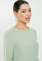 Missguided - Tiered half sleeve smock dress - sage