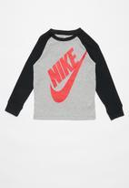 Nike - Agf futura long sleeve raglan - grey