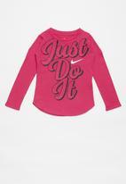 Nike - Nike girls just do it script long sleeve tee - rush pink