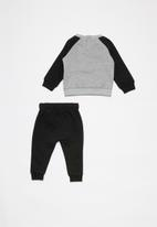 Nike - Nkg nsw heathered crew pantset - black & grey