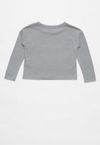 Nike - Nike girls met Nike blk swsh long sleeve box tee - grey