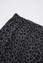 Cotton On - Bundle long sleeve bubbysuit, legging & kerchief bib - grey & black
