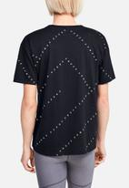 Under Armour - Logo print live short sleeve top - black