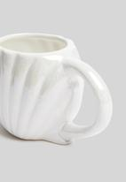 Typo - Novelty seashell shaped mug - white