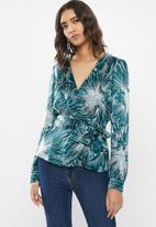 GUESS - Long sleeve Bellaire surplice top - teal