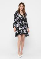 Jacqueline de Yong - Starr life 7/8 v-neck short dress - black
