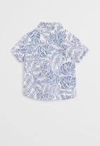 MANGO - Shirt Fiji - white & blue