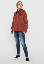 Vero Moda - Claire jacket - sable