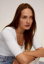 MANGO - T-shirt camly - white