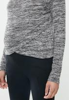 Cotton On - Maternity cross over front long sleeve top - black