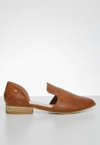 Miss Black - Sunday loafers - tan