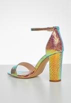 Miss Black - Cosmopolitan heel - gold