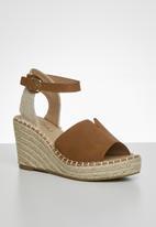 Miss Black - Letaba wedge heel - tan